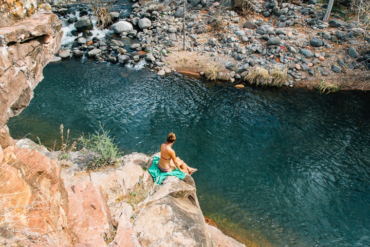 ARIZONAs Secret Swim Holes Cliff Jumping - YouTube