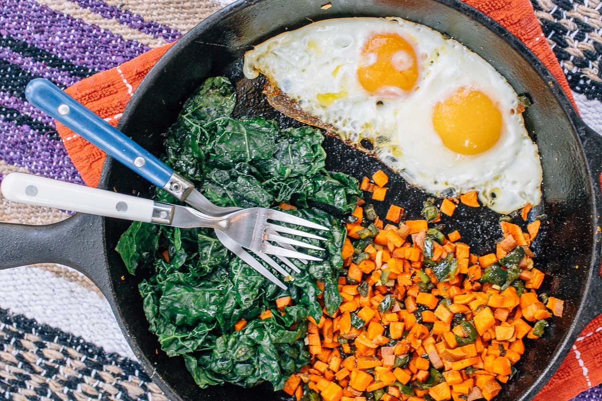 Sweet potato, pepper, and kale breakfast skillet