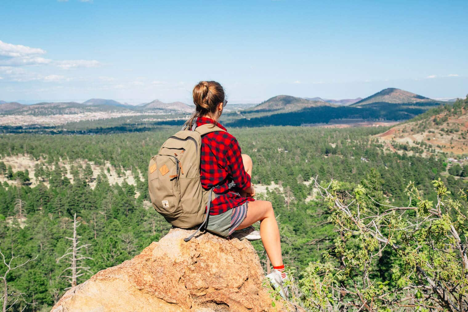 Hike Fat Man's Loop Trail in Flagstaff, Arizona and find spectacular views of the city!