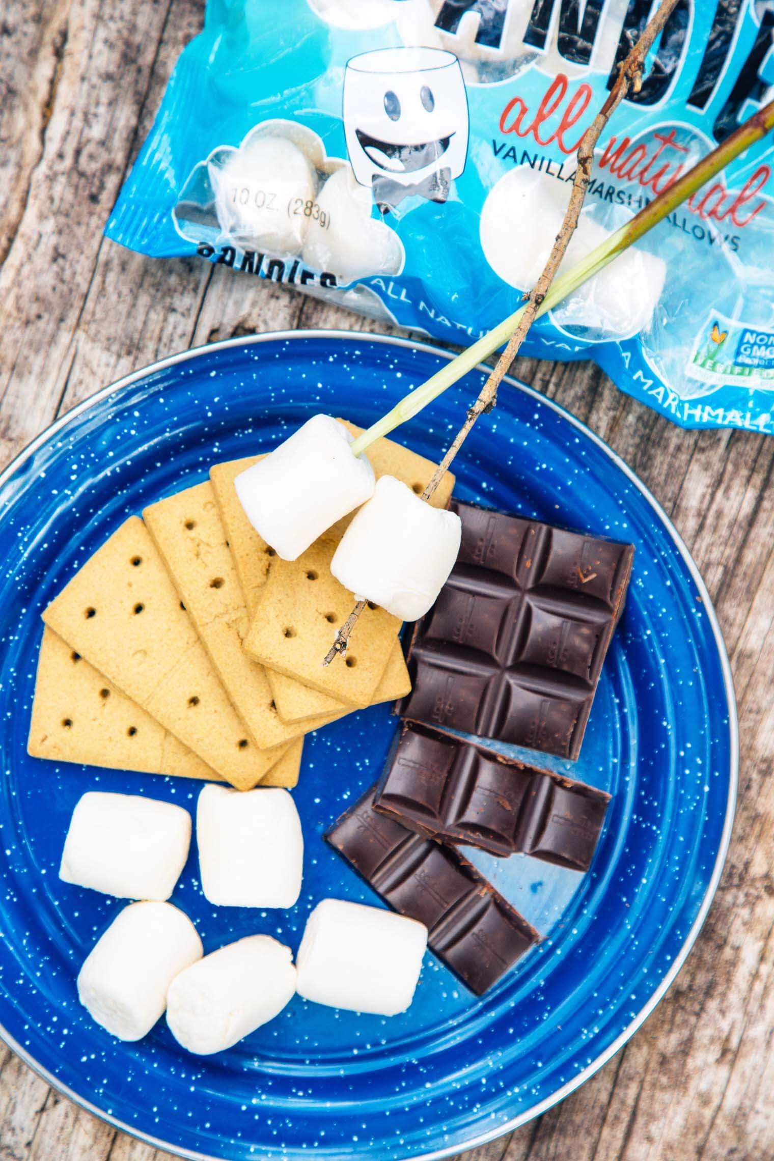 Ingredients for vegan s'mores