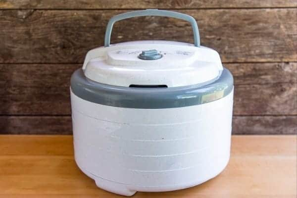 A round dehydrator