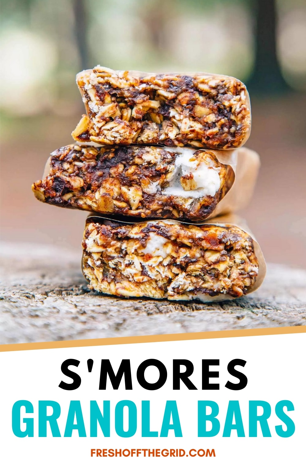 These S'mores Granola Bars are such a fun camping and hiking snack! via @freshoffthegrid