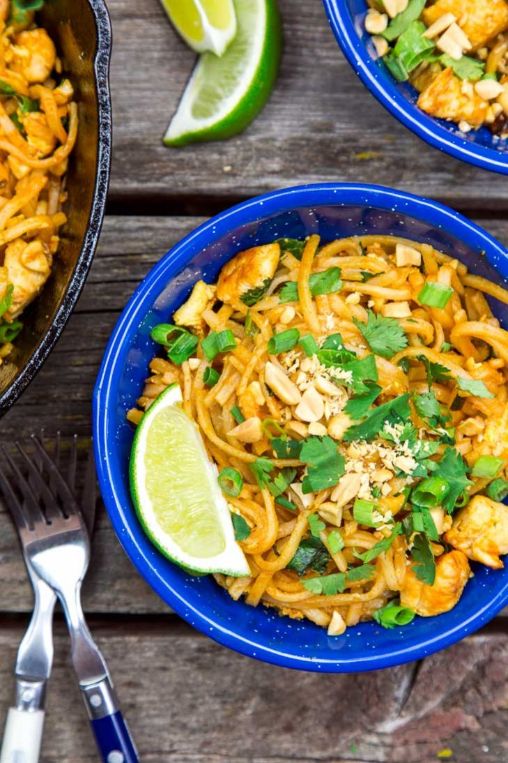 Pad Thai in a blue bowl
